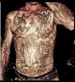 tatouage seul